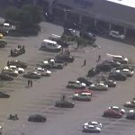 Couple turns the table on 3 armed attackers outside grocery store.